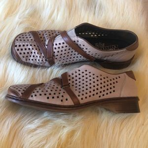 Rieker perforated loafer size 42 / 12